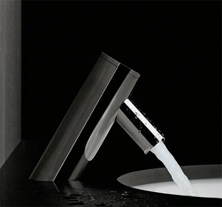 sanindusa-spot-electronic-bath-faucet.jpg
