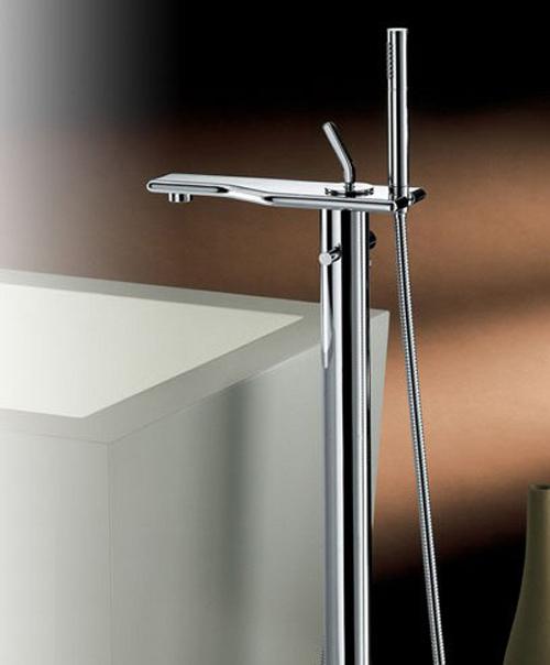newform-faucet-flu-x-floor-mount.jpg