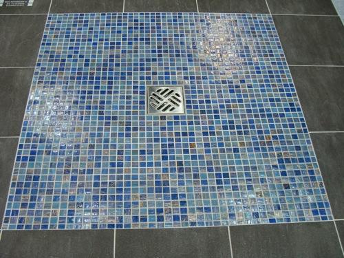 una alternativa ms actual ante la tradicional baera es una ducha de obra ubicada entre dos tabiques de obra o de cristal aporta a tu bao una imagen