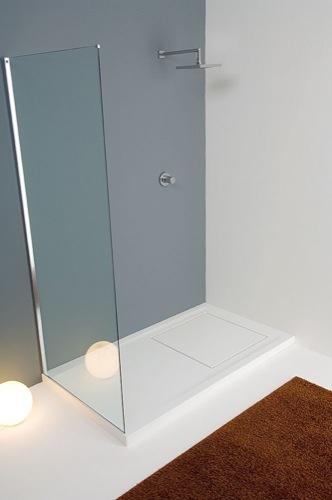 Los espa oles prefieren ducharse a tomar un ba o aqua - Plato ducha corian ...