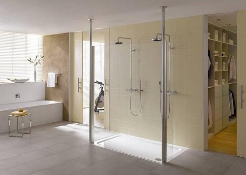 Baños Con Ducha En El Suelo:Cambiar tu bañera por un plato de ducha: todo lo que necesitas saber