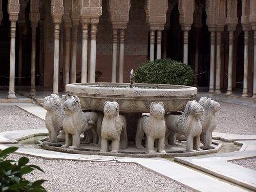granada_alhambra_fuente_de_los_leones-1