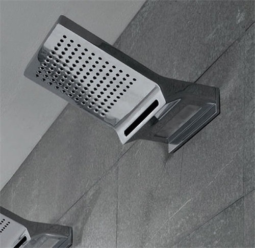 wall-mounted-showerhead-with-rain-blade-jets-and-light_securibath