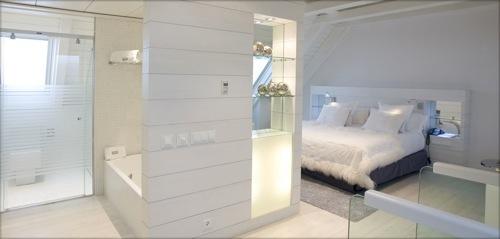 hotelbaqueiravaldeneu.com