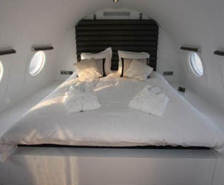 luxury-plane-hotel-securibath-1