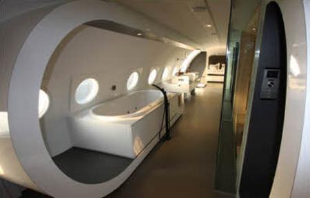 luxury-plane-hotel-securibath-2