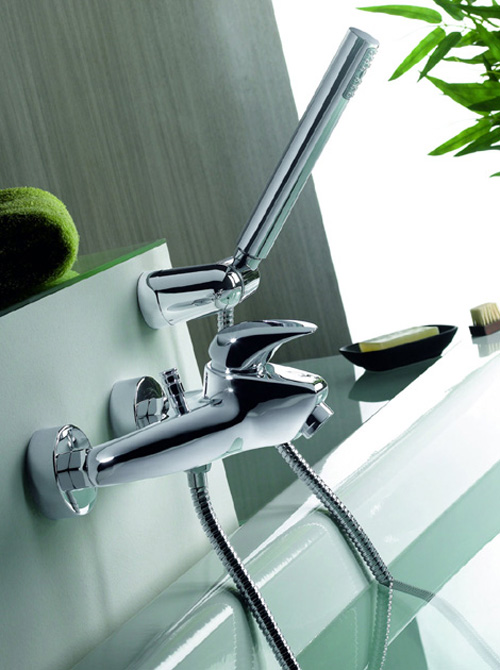 minimalist-commercial-style-bathroom-faucets-securibath