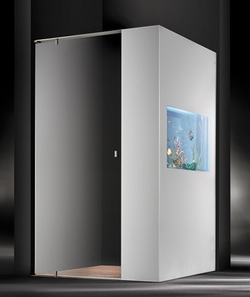 shower-with-aquarium-1
