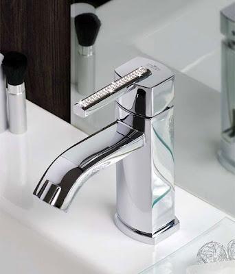 Lujo y sofisticaci n en los grifos de ba o aqua for Griferia aqua