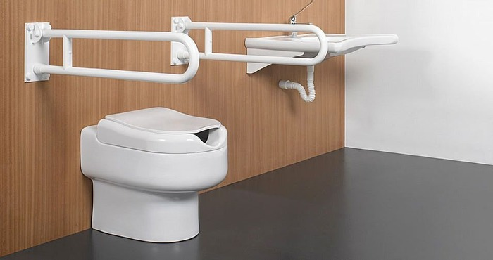 Dise o y funcionalidad en un wc para personas con for Inodoro discapacitados