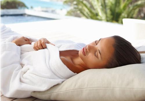 Consejos para dormir bien en pleno verano aqua - Soluciones para dormir ...