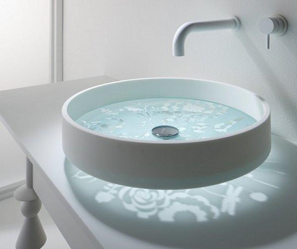 Un lavabo tragaluz para el ba o aqua for Lavabo vidrio