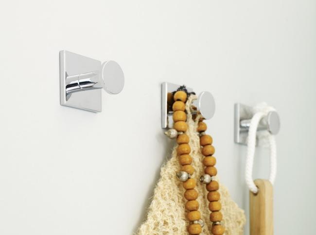 Pr cticos accesorios de ba o que no necesitan taladro aqua for Toalleros de bano sin taladro