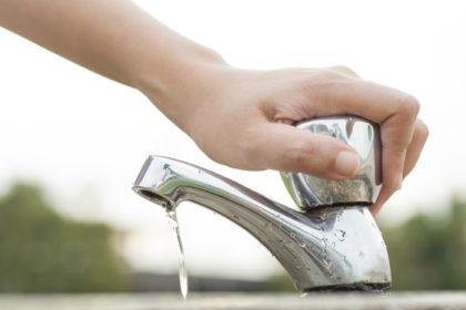 ahorro-agua-grifo