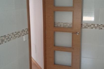 puerta madera nueva