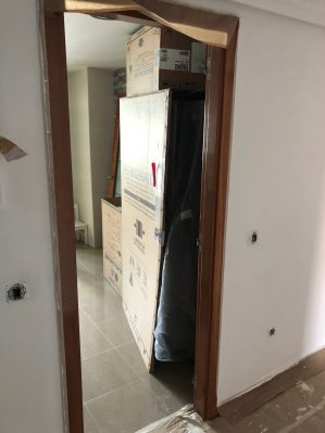 C mo instalar una puerta corredera encastrable securibath - Puerta corredera abatible ...